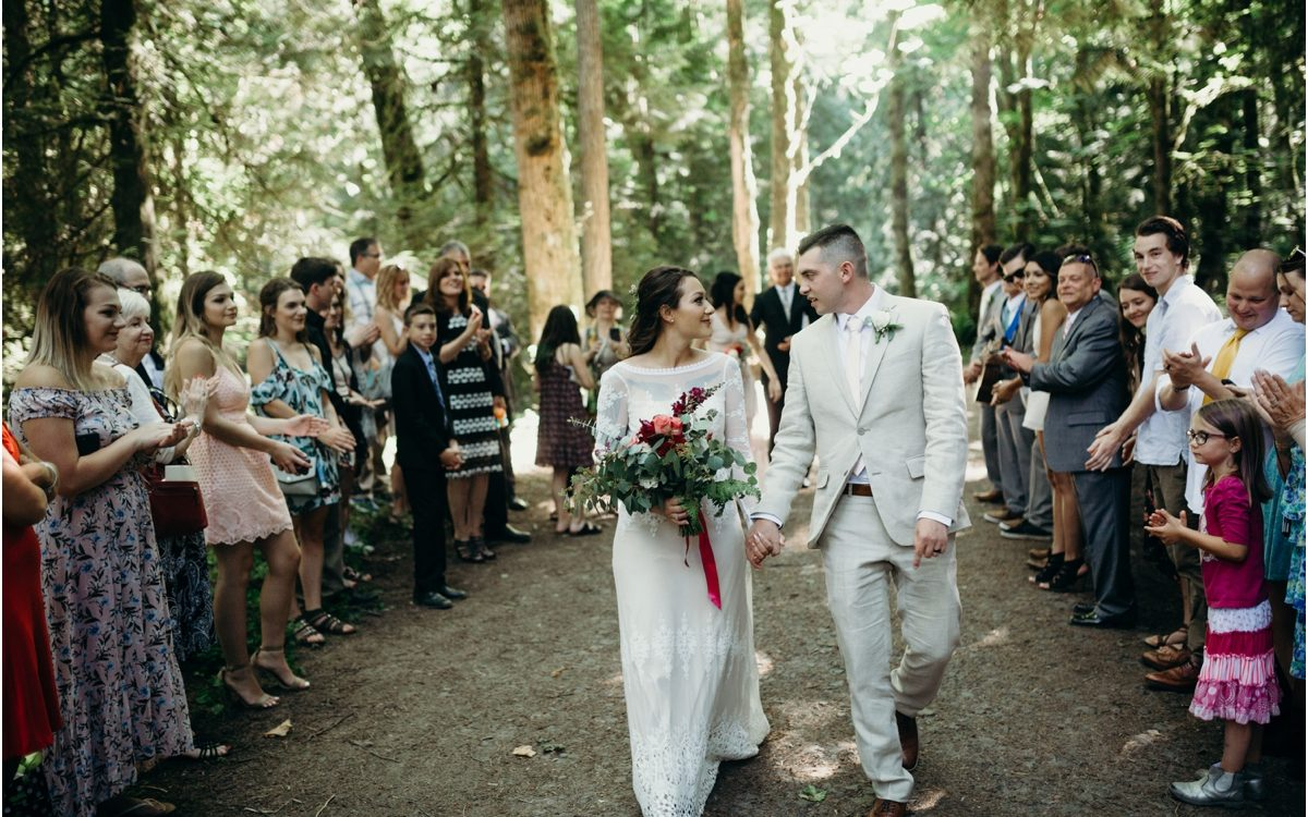 Oregon elopement in the woods